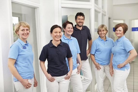 Team der Zahnarztpraxis Pohl in Bergisch Gladbach Klein.jpeg