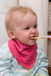 Zähne putzen bei Baby und Kind