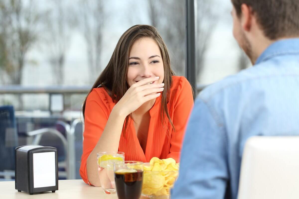 Lästigen Mundgeruch hatte vermutlich jeder schon mal - Hier findest Du Tipps gegen Mundgeruch
