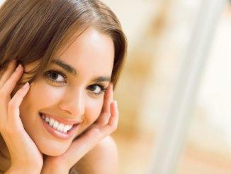 Ein schönes Lächeln dank kieferorthopädischen Korrekturen